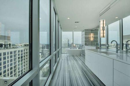 Modern Luxury Penthouse Bathroom