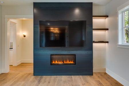 MEDLIN CREEK - GAS FIREPLACE IN MASTER BEDROOM