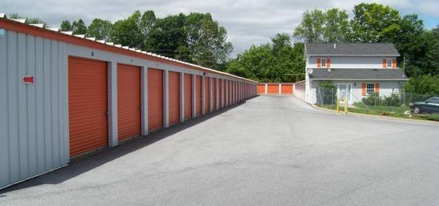 Whitehall, Pennsylvania Self Storage Units