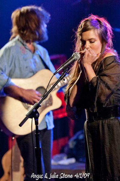 Angus & Julia Stone 4/1/09