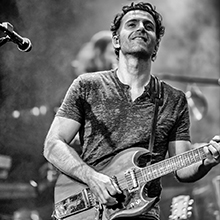 Dweezil Zappa: 50 Years of Frank