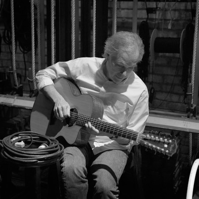 Leo Kottke (seated show)