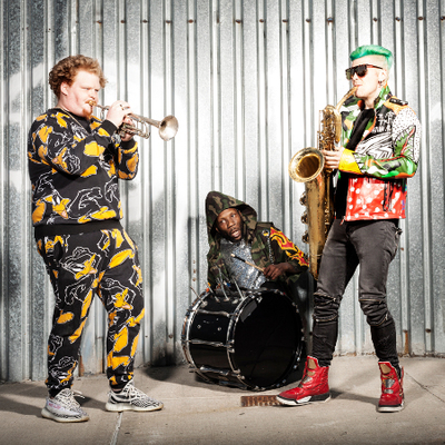 Too Many Zooz - Pug In A Tub Tour