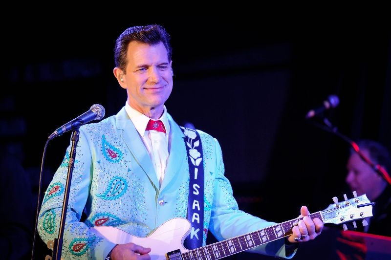 chris-isaak-2012-jason-zinn-1.jpg