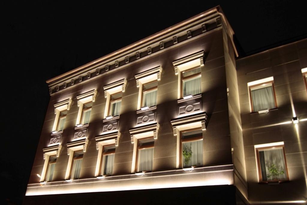 Smart building facade lighting architectural office lighting lighting design IN AUSTIN, LAGO VISTA, SPICEWOOD, BEE CAVE, LAKEWAY, DRIPPING SPRINGS, WIMBERLY, MARBLE FALLS, WEST LAKE HILLS, FREDERICKSBURG , HORSHOE BAY, BELTON