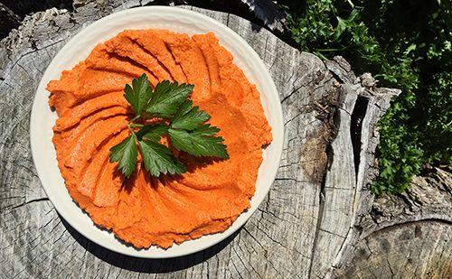 Roasted-Red-Pepper-Hummus-Overshot_WEBSITE.jpg