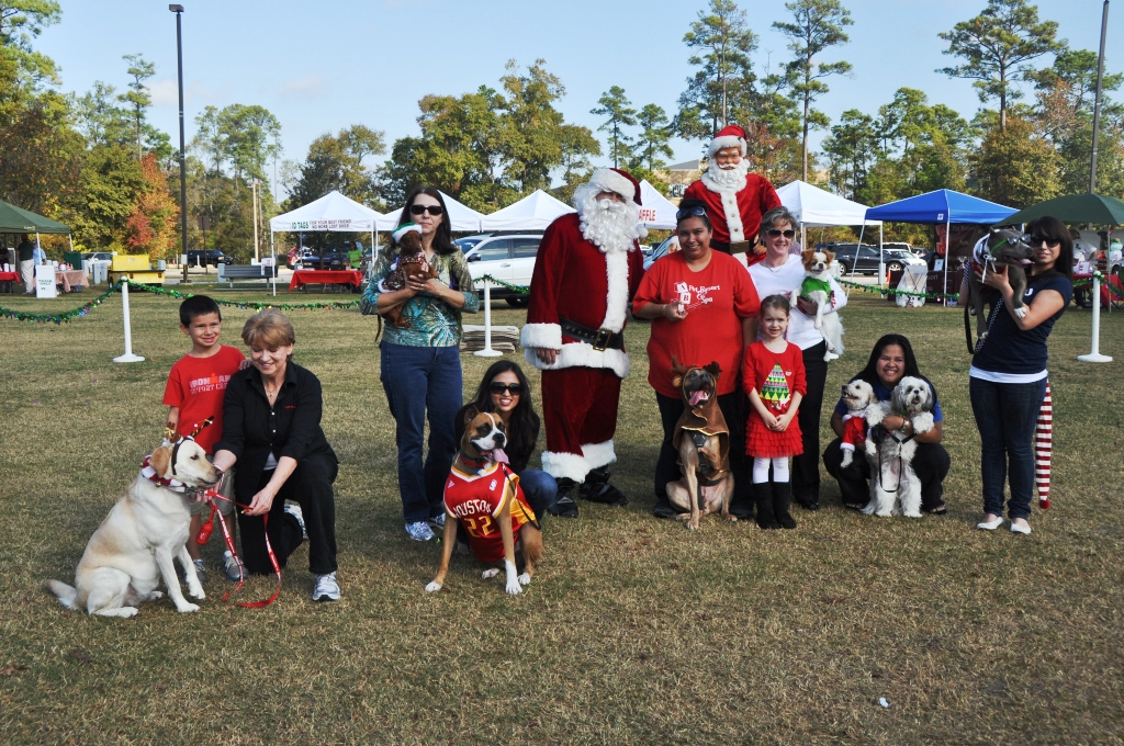 0302 PawswithClaus 12-1-12.jpg