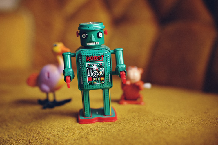 toy-robot-colorful-tech-learning.png