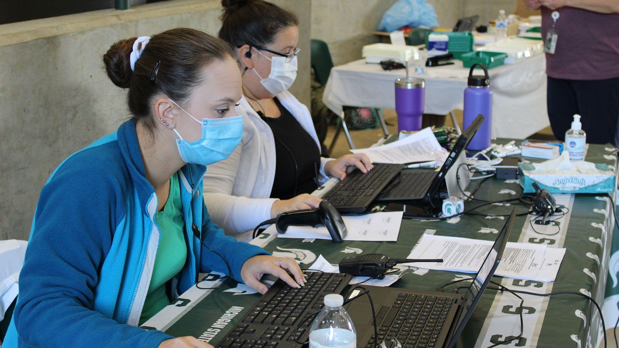 VanEpps-Passage-flu-shot-clinic-2020-IMG_0522.jpg