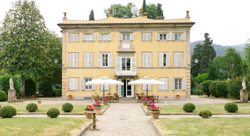 traditional italian villa in lucca