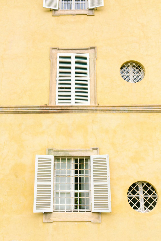 traditional villa in tuscany