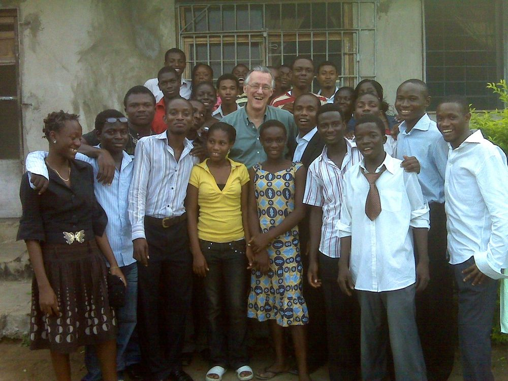 Nigeria-John and trainees .jpg