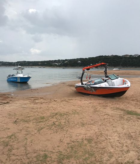 Boat Ungroundings in Austin, Texas
