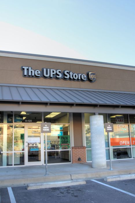 leased/UPS Store
