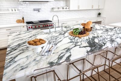 Aria_Stone_Gallery_Arabescato_Corchia_Marble_Kitchen_04_preview.jpg