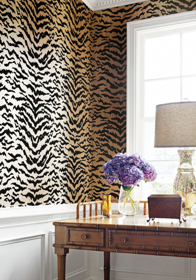 amazing-animal-print-wallpaper-ideas-shoproomideas-thibaut-design-717x1024.jpg