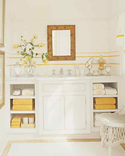 yellow bathroom martha stewart.jpg