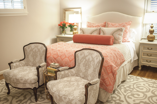 Traditional guest room