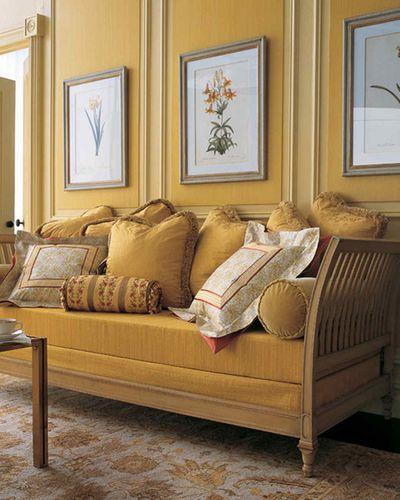 mustard room.jpg