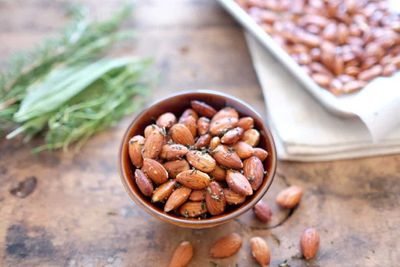 Herb-roasted-almonds-1024x683 (1).jpg