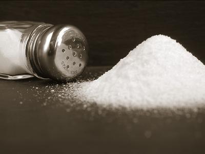 sodium salt shaker.jpg