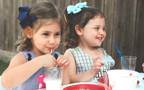 Mia&Laine.jpg