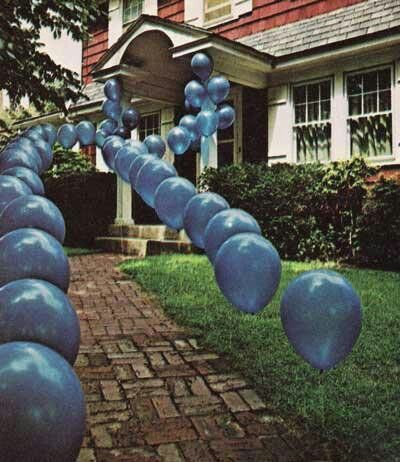 balloonwalkway.jpg