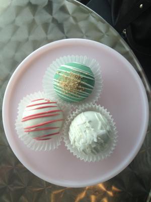 cakeballs.jpg
