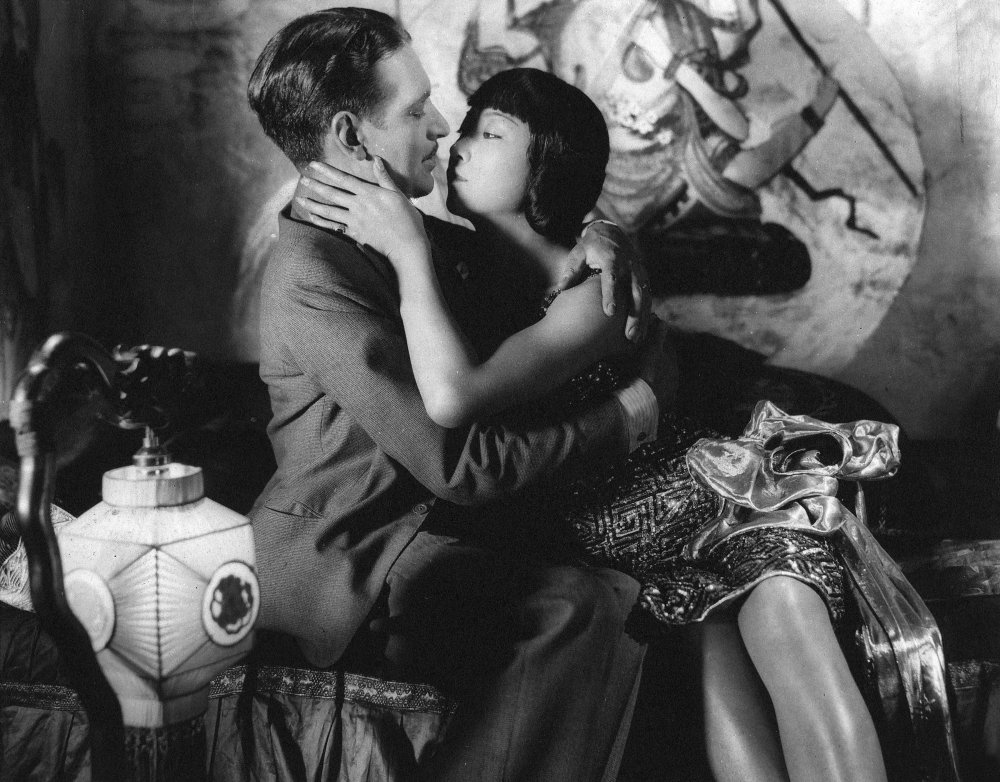 piccadilly-1929-001-jameson-thomas-anna-may-wong-00m-ds4.jpg