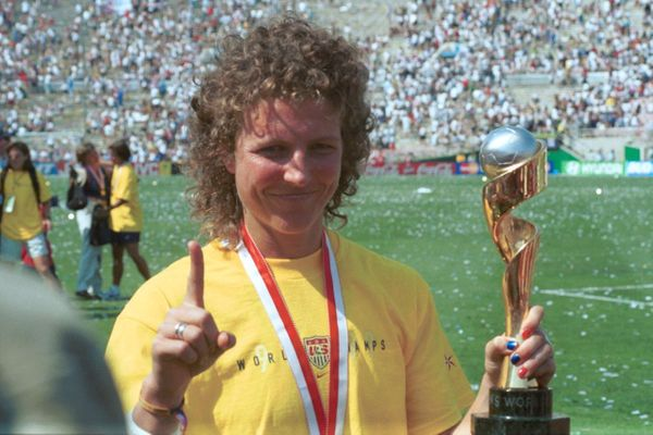 Michelle Akers Photo 6.jpg