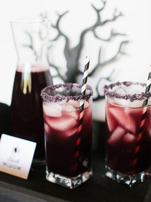 CI-Rennai-Hoefer_Halloween-cocktail-black-widow_v.jpg.rend.hgtvcom.1280.1707.jpeg