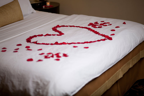 romantic_nights_await_you_at_the_belamere_suites_hotel.jpg
