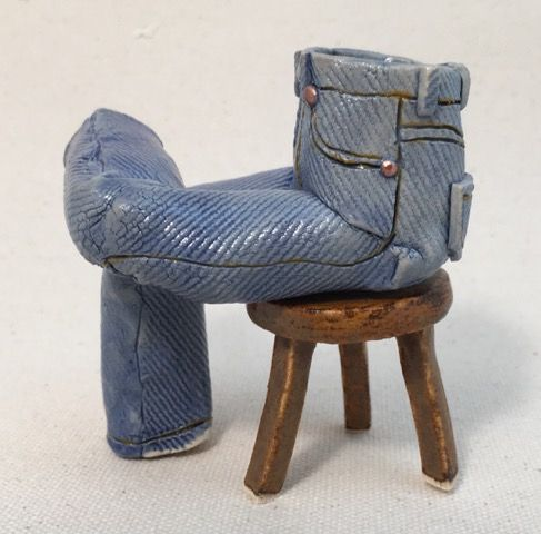 J43b_Pamela_Gross__Seated Crossed-Leg Walkabout Jeans__Austin Art_Austin_Artist_Austin Gifts.JPG