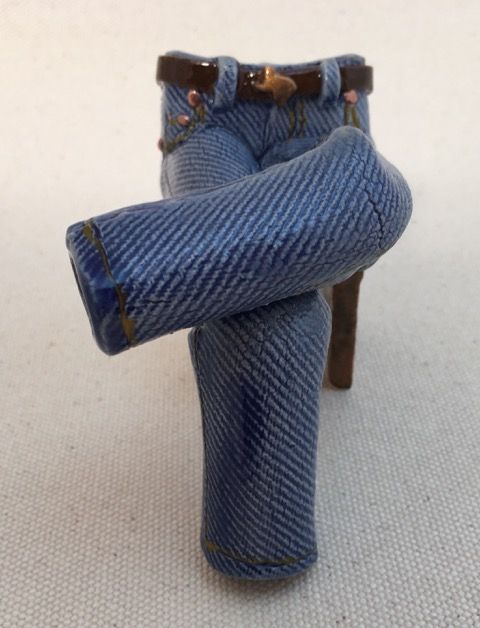 J42a_Pamela_Gross__Seated Crossed-Leg Belted Walkabout Jeans__Austin Art_Austin_Artist_Austin Gifts.JPG
