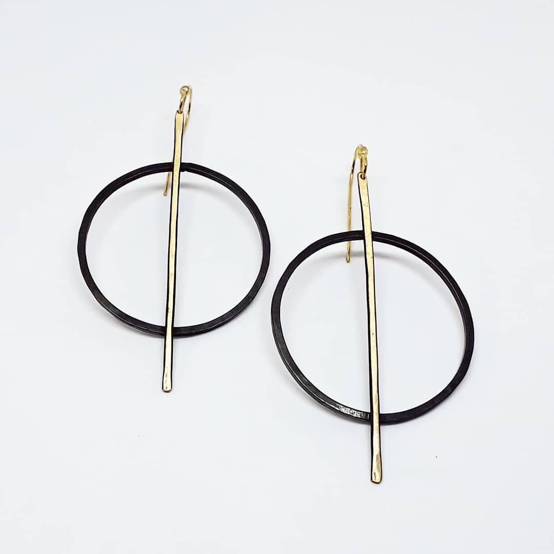 Vertical Hoops 1 1-2 W x 2 1-2 L.JPG