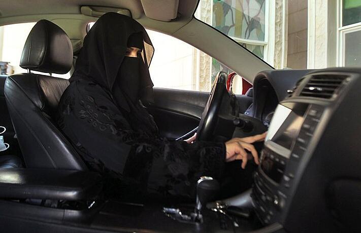 Saudi-Arabia-Lets-Women-Behind-Wheel.png