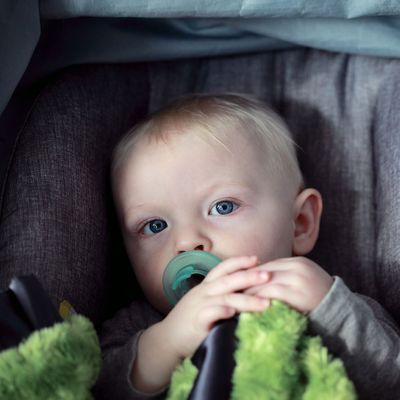LETS-TALK-CAR-SEATS-AND-WHY ITS-IMPORTANT-TO-KEEP-LITTLES-REAR-FACING.jpg