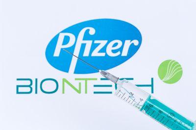 Biontech Pfizer Coronavirus Vaccine Corona Virus COVID-19 Covid syringe vaccines