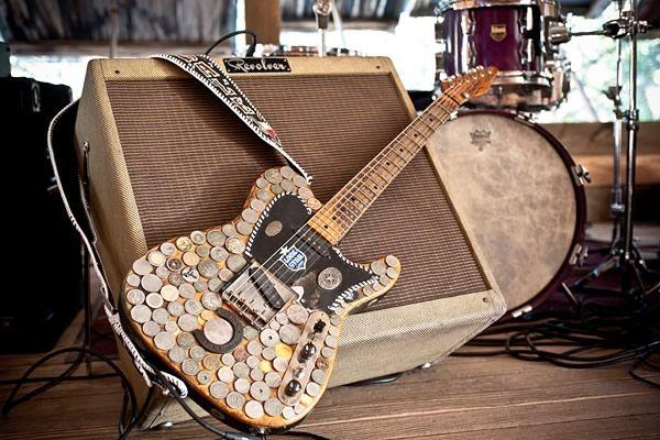 dale_guitar.jpg