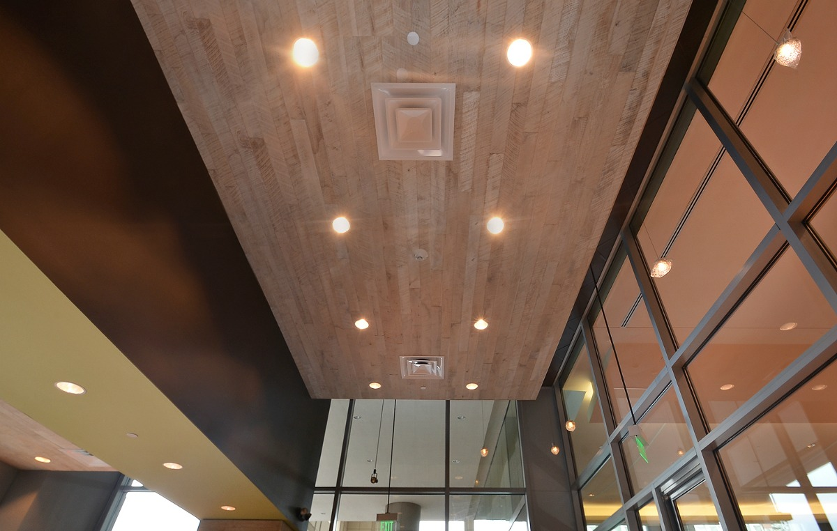 401 Congress Ave 04 - Ceiling.jpg